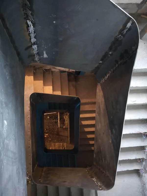 旋转钢架楼梯在下沙