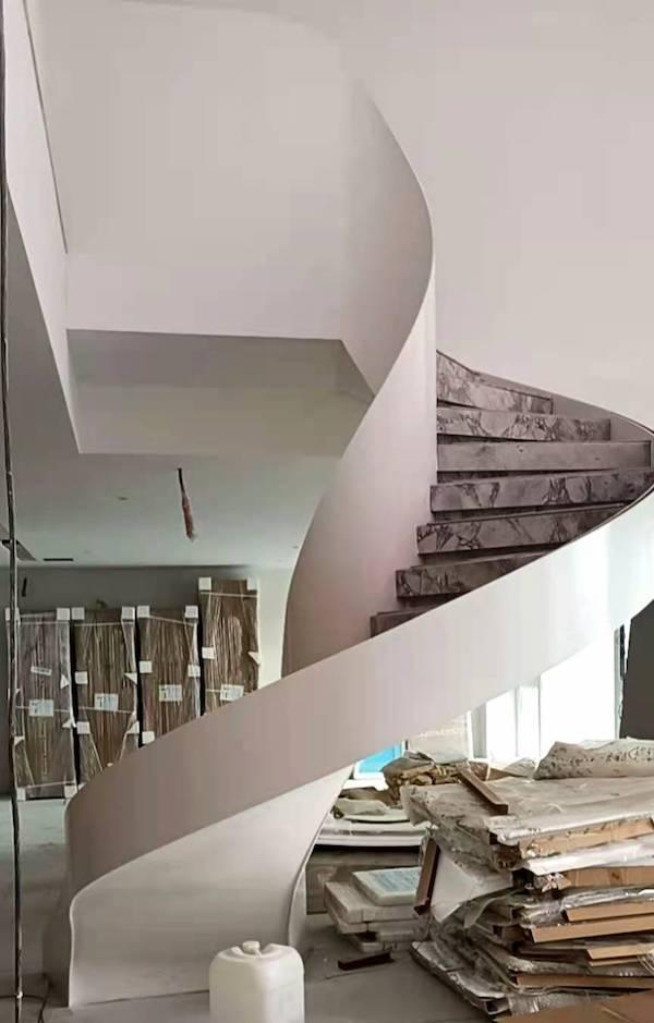 高端内弧旋转钢架楼梯